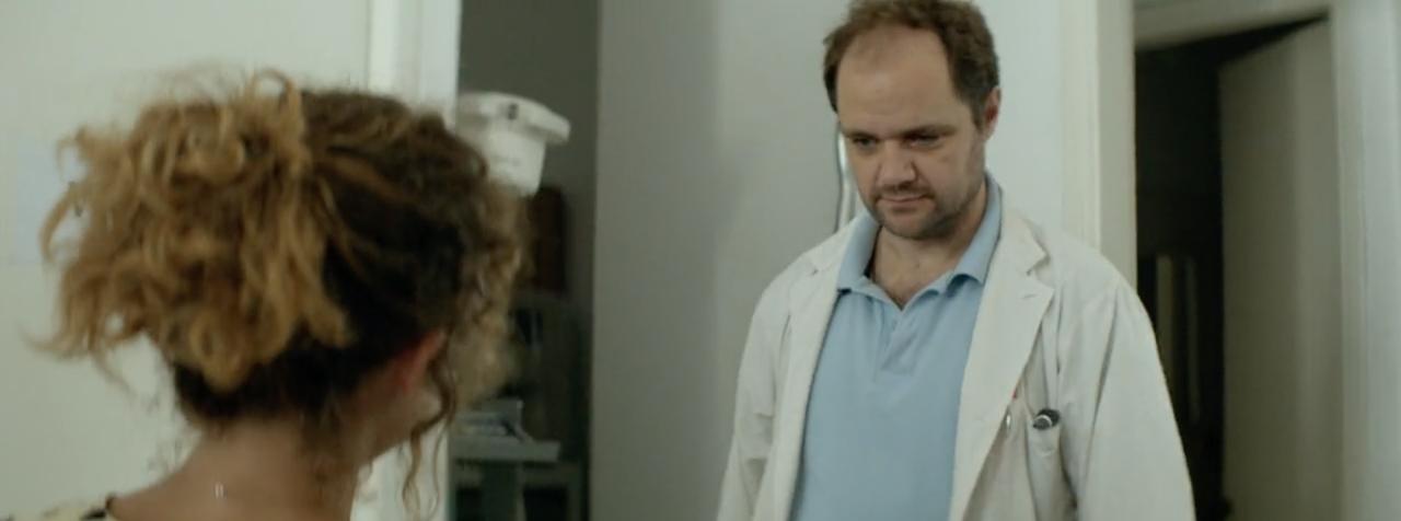 Η Άννα έρχεται στο ιατρείο του Κωστή.