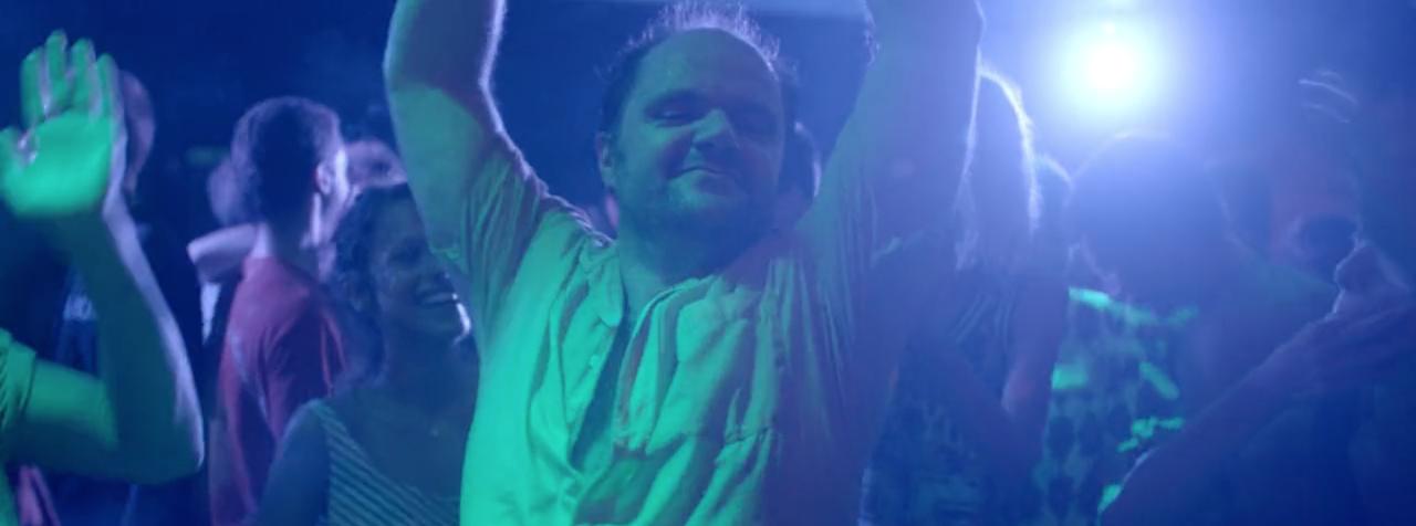 Ο Κωστής χορεύει το Bolero του Ραβέλ, στο La Luna.